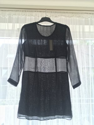 Halbdurchsichtiges Kleid