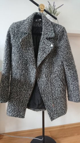 Halblanger Mantel mit Wollanteil