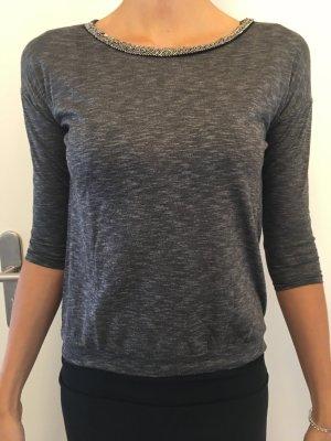 Halblanges Shirt verziertem Kragen