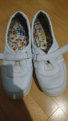 Zapatillas con velcro blanco