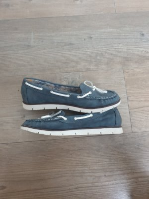 Zapatos de marinero azul aciano