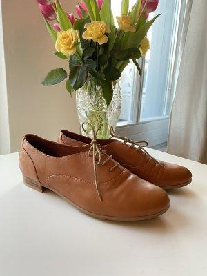 Buffalo Chaussures à lacets cognac cuir