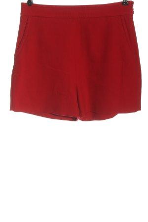 Hallhuber Pantalón corto de talle alto rojo look casual