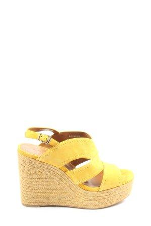 Hallhuber Sandalias con plataforma amarillo pálido look casual