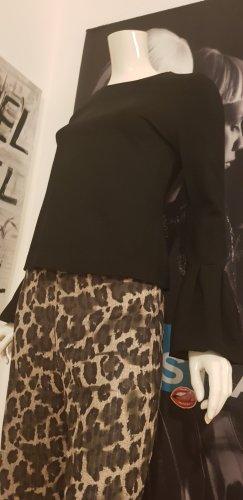 Hallhuber Pullover schwarz und guess Animalprint hose small