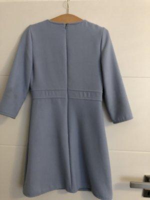 Halluber Kleid
