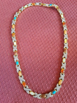 Necklace gold-colored