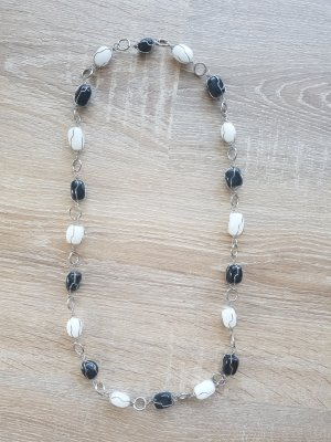 Halskette aus Naturstein