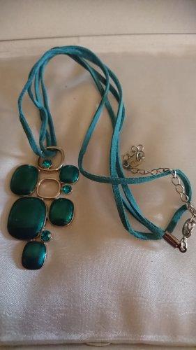 Halskette , Collier mit dunkelgrünen Anhänger