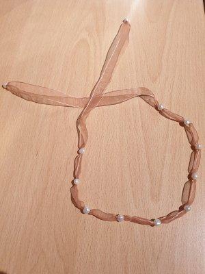 Collana di perle bianco-albicocca