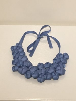 COS Cadena de cuentas azul celeste-azul aciano
