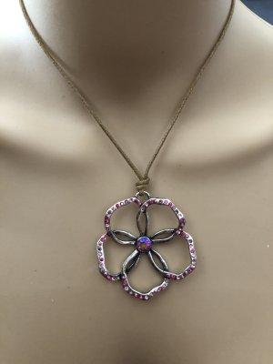 Halskette mit Anhänger Blume Neu