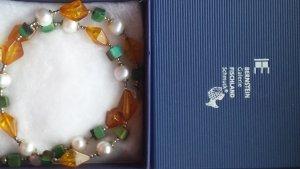 Halskette mit Bernsteinen in hübschen Sommerfarben