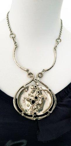 Halskette mit grosse Anhänger