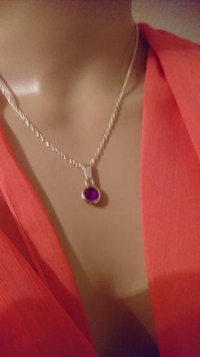 Halskette mit lila Stein Anhänger