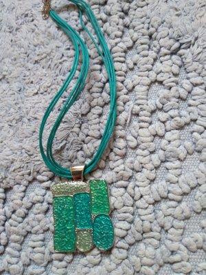 Halskette mit Metallanhaenger hellblau Neu