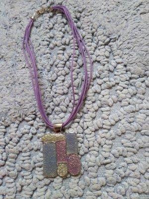 Halskette mit Metallanhaenger , lila , Neu