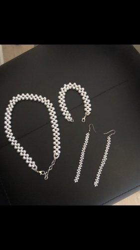 Halskette mit ohrringe und armband