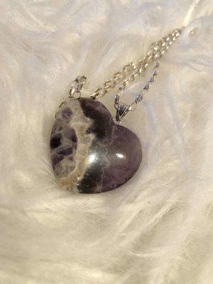 Halskette mit Steinherz
