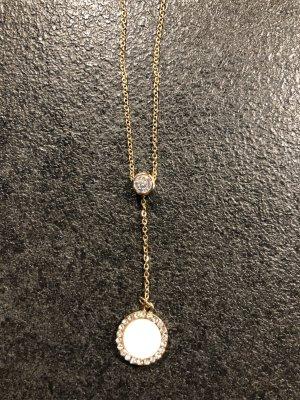 Halskette mit weißem Stein