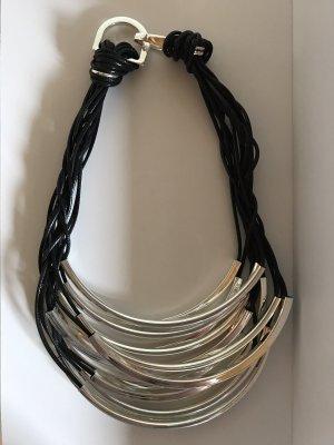 Halskette modern und edel