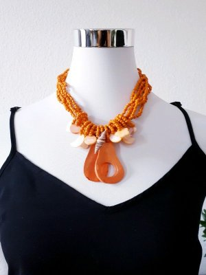 Collier de coquillages orange-orange doré