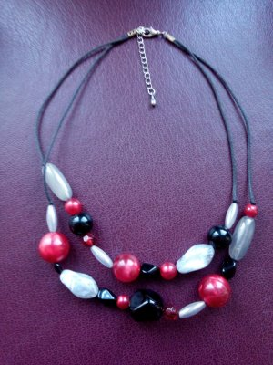 Halskette Statement in schwarz weiß rot zwei Stränge