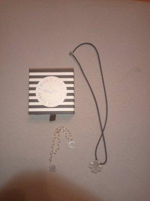 Halskette und Charm Armband