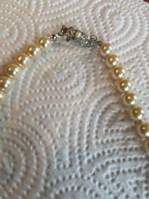 Necklace cream-silver-colored
