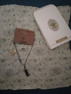 Halskette von Komplott
