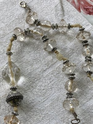 Halskette von Oma lang