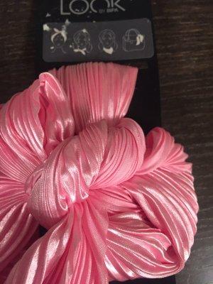 Headdress pink