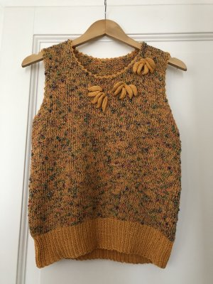 Hand made pullover