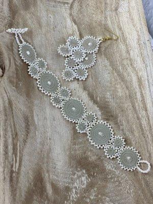 Handgearbeitete Perlen Ohrringe & Armband