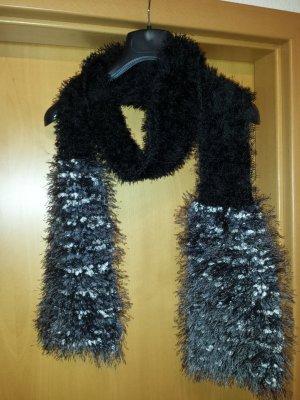 handgearbeiteter Schal