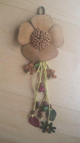 Handgefertigter Schlüsselanhänger aus Leder