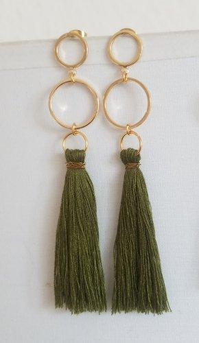 Handgemachte Boho-Ohrringe mit khaki-farbender Quaste (Goldfarben)