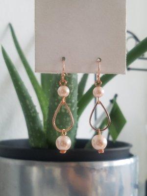 Handgemachte Ohrhänger mit rosa Perlen (Roségoldfarben)