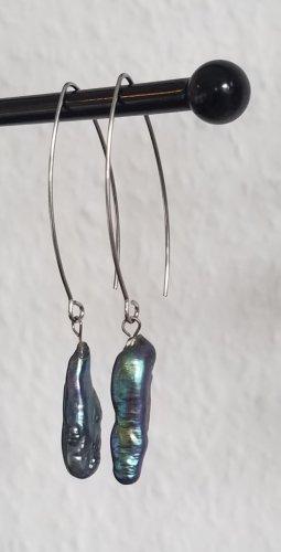 Handgemachte Ohrringe mit Perlmutt-Anhänger (Silberfarben)
