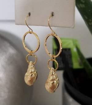 handmade Dangle gold-colored