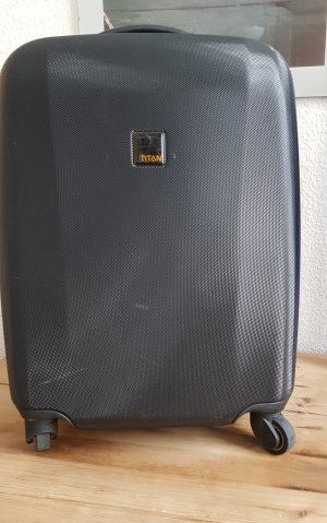 Titan Suitcase black