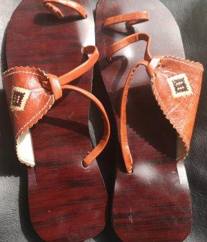 Sandalo infradito arancione scuro-carminio