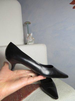 Handmade in Italy: elegante schwarze Leder Spitz-Pumps Bruno Magli - Gr. 37 - 100% Echtleder - kleiner Absatz