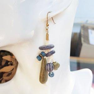 Zdobione kolczyki piaskowy brąz-niebieski
