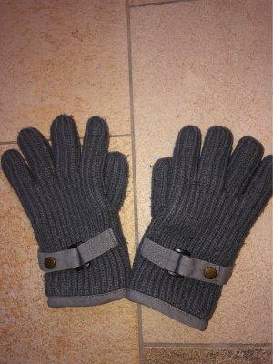 Gants en tricot gris