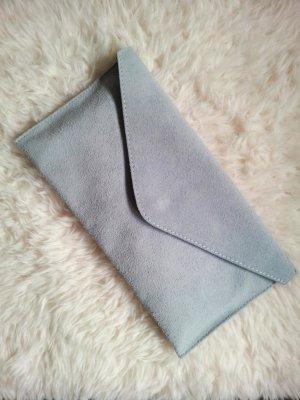 Handtasche / Clutch in Hellblau / Blaugrau, Rauhleder, NEU
