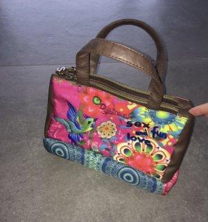 Handtasche der Marke Desigual