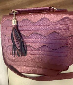 Handtasche in weinrot