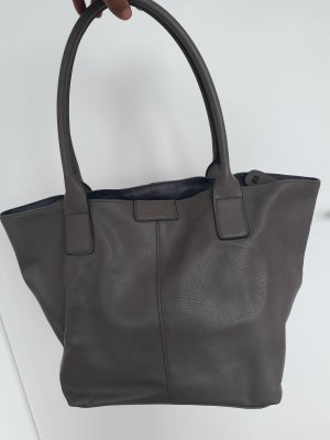 Handtasche kaum getragen
