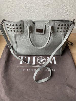 Handtasche mit aufgesetzten Nieten